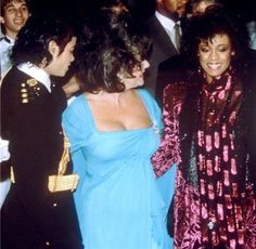 <3 Michael Jackson <3 & Elizabeth Taylor & not sure who that is in purple, maybe Diana Ross