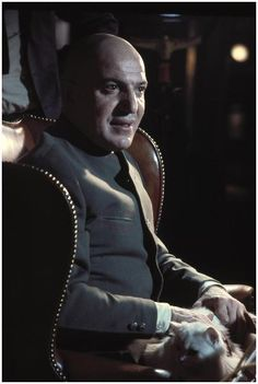 James Bond Villain N°6 - Telly Savalas as Ernst Stavro Blofeld (1969) - On Her Majesty's Secret Service (Au service secret de Sa Majesté)