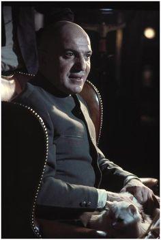 James Bond Villain N°6 - Telly Savalas as Ernst Stavro Blofeld (1969) - On Her Majesty's Secret Service (Au service secret de Sa Majesté)