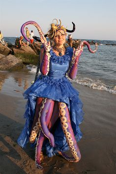 Ursula costume by siberfi Ursula Costume Diy, Sea Costume, Fish Costume, Halloween Make, Diy Halloween Costumes, Cosplay Costumes, Costume Ideas, Little Mermaid Costumes, The Little Mermaid