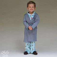 Must sew! Sleepy Robe - Free Pattern and Tutorial for Children's Robe Sizes 18m-8 - Melly Sews#sewing #kids #tutorial #diy