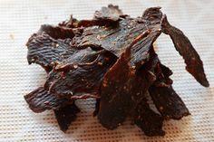 Beef Jerky - Selbstgemachtes Dörrfleisch Wie macht man Dörrfleisch zuhause selbst? Man braucht hochwertiges Rindfleisch und eine tolle Marinade.