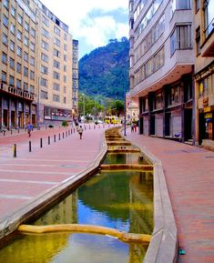 Eje Ambiental,  avenida Jiménez.Bogotá. Colombia