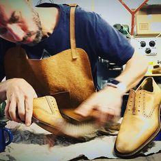 Polishing new pair of goodyear welted handmade bespoke shoes. The last phase after making shoes. #bespoke #bespokeshoes #madetomeasure #madeinitaly #tuscanleather #tuscany #nmleather #leathershoes #dressshoe #shoes #shoe #shoelover #handmadeleather #leathercrafts #craftedshoes #shoesmen #shoesmaker