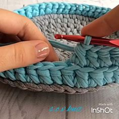 Bom dia! Mais um pontinho lindo para aprendermos! #videoaula de hoje @s.o.v.knit #regrann #crochetadict #croche #fiosdemalha