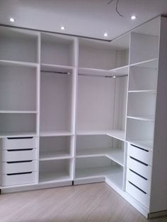 closet layout 392024342564782043 - ideas for closet organization diy shoes walk in Source by ceciliagaillard Wardrobe Design Bedroom, Diy Wardrobe, Master Bedroom Closet, Bedroom Wardrobe, Modern Wardrobe, Bedroom Desk, Master Bedrooms, Bedroom Closets, Bedroom Corner