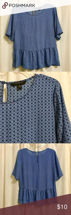 Beautiful Banana Republic Peplum Dusty Blue Top Great condition, loose, flowy, dusty blue printed top! Perfect for those hot sunny days, wear to work or on a lazy weekend day! Banana Republic Tops Blouses