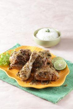 Ayam panggang bumbu cabai hijau, pilihan lezat untuk menjamu tamu istimewa. Ayo kunjungi resepnya.