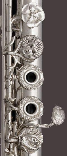 John Lunn Flutes Homepage  (the golden flute)