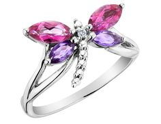 Dragonfly ring....this would go perfect with my amethyst butterfly ring!
