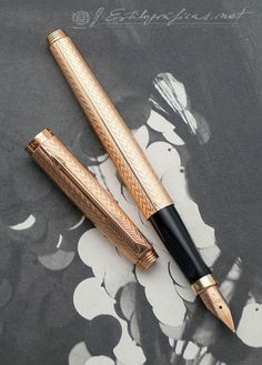 Parker 75 Solid 18K Fougere c.1983 Photo by Álvaro Romillo