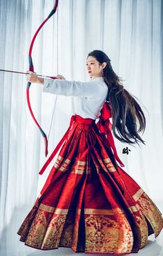 Hanfu Sailor Mars, the Passionate Warrior Goddess九天玄女 Hanfu, Mode Kimono, Chinese Clothing, Fantasy Dress, Character Outfits, Traditional Dresses, Traditional Chinese, Asian Fashion, Korea Fashion