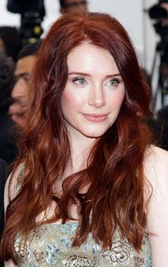 Bryce Dallas Howard hair please follow me,thank you i will refollow you later