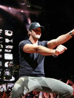 Oh those moves!!! ♥ :P