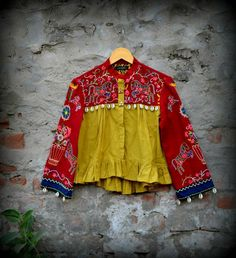 Garba Dress, Navratri Dress, Ethnic Outfits, Indian Outfits, Fashion Outfits, Pakistani Dresses, Indian Dresses, Dresses Kids Girl, Baby Dresses