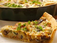 Be veggie! Eat different!: Aubergine and parmesan tart Raw Food Recipes, New Recipes, Vegetarian Recipes, Cooking Recipes, Romanian Food, English Food, Parmesan, Food Videos, Quiche