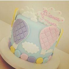 Muita fofura nesse #bolo de #mesversario Pic via @gabrielapresente #cake #cake#InstaPartyBloggers #umbocadinhodeideiasdebolo #umbocadinhodeideias
