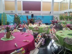 Luau theme decoration #partybyjessicaromero