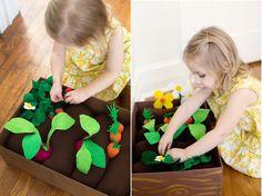 Все овощи, цветы и ягоды сделаны из цветного войлока. Такая игра не только надолго увлечет малыша, но еще и поможет выучить названия овощей, научится их запоминать и различать.