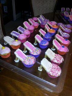 More shoe cupcakes