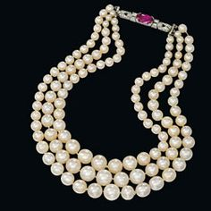 Christie's London: Natural Pearls See Continued Strength at Auction - Estate Jewelry