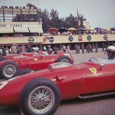 Phill Hill (foreground), Ginther & Mairesse - 1960 #Monza - #Ferrari Dino 246 F1 Phil Hill first F1 victory.