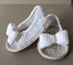 Summer sling sandal Baby Sandal Baby First walker Crochet Baby Sandals, Knit Baby Booties, Baby Girl Sandals, Crochet Baby Boots, Booties Crochet, Crochet Shoes, Crochet Slippers, Knitted Baby, Crochet Dolls