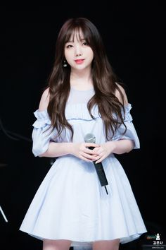 Kei - 케이 #kpopgirlgroup #lovelyz #jiyeon #stage #outfit #thatday #지연 #志姸 #러블리즈 Lovelyz Kei, Wheein Mamamoo, Jeon Somi, Hip Hop Fashion, First Girl, All White, Korean Beauty, Me As A Girlfriend, Kpop Girls