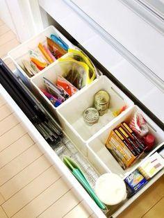 30 Insanely Smart DIY Kitchen Storage Ideas - Best Home Ideas and Inspiration Kitchen Sink Storage, Kitchen Drawer Organization, Kitchen Storage Solutions, Small Bathroom Storage, Kitchen Cupboards, Home Organization, Storage Bins, Storage Spaces, Diy Storage