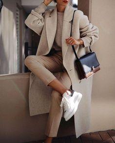 Fashion Tips Moda .Fashion Tips Moda Sneaker Outfits, Sporty Outfits, Mode Outfits, Winter Outfits, Fashion Outfits, Style Fashion, Nike Fashion, French Fashion, Hijab Fashion