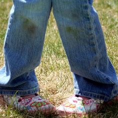 How to Remove Grass Stains from Clothing. Great to know for all of the awesome sliding my kids do in baseball!!