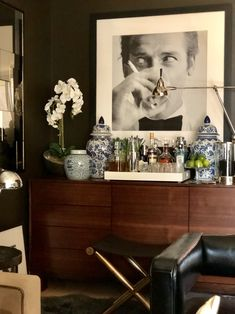 Look Inside My Home: A Bachelor Pad by the Wharf With a James Bond Portrait. Look Inside My Home: A Bachelor Pad by the Wharf With a James Bond Portrait Bachelor Pad Décor, Bachelor Pad Bedroom, Bachelor Apartment Decor, Bachelor Decor, Apartment Bar, Apartment Layout, Apartment Interior, Apartment Living, Masculine Living Rooms