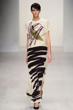 Họa tiết hội họa: Dấu ấn thời trang 2013