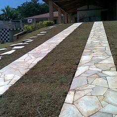 #pedra São Tomé em cacos irregulares podem ser usadas, além de decks de #piscinas , também em entradas de #carros, #rampas , #garagens e #calçadas!