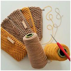 Crochet Bags Designs my world of wool: dressing case and DOPE LEMON - Uptown Folks Crochet Diy, Crochet Garland, Love Crochet, Crochet Wool, Crochet Pencil Case, Crochet Pouch, Pencil Case Pattern, Crochet Backpack, Crochet Handbags