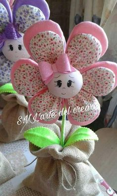 18 Ideas For Patchwork Artesanato Tecido Fabric Toys, Fabric Crafts, Sewing Crafts, Sewing Projects, Diy Crafts How To Make, Easy Diy Crafts, Crafts For Kids, Felt Flowers, Fabric Flowers