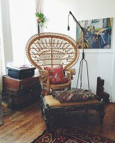 I thought about this traveled meditation room diy Bohemian Interior, Bohemian Decor, Office Chairs Canada, Interior Design Tools, Boho Chic Living Room, Bohemian Living, Peacock Chair, Peacock Fabric, Finding A Hobby