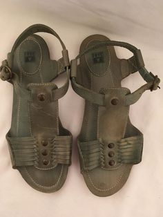 ad5883088de61 Preowned light green leather Frye sandals size 9 with studs and buckle  closure gently worn pics 12 show flaws