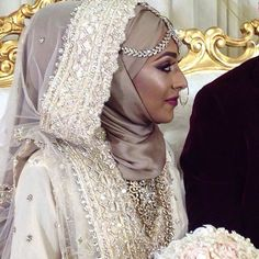 Wedding Abaya, Hijabi Wedding, Muslim Wedding Dresses, Muslim Brides, Bridal Dresses, Arab Girls Hijab, Girl Hijab, Bridal Hijab Styles, Turban