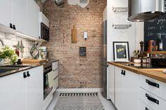 Aranżacja mieszkania o powierzchni 47 m2 w stylu skandynawskim, w kamienicy, czyli czerwone cegły na pierwszym planie :)