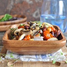 Bean and mushroom stews Mushroom Stew, Curry Stew, Stir Fry, Stuffed Mushrooms, Tacos, Beans, Diet, Ethnic Recipes, Food