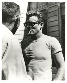 "James Dean durante el rodaje de ""Rebelde sin Causa"" (Rebel without a Cause), 1955"