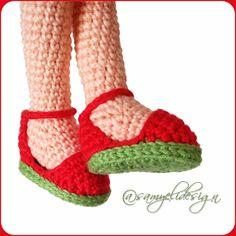 Samyelinin Örgüleri: Domates Güzeli Crochet Motifs, Crochet Doll Pattern, Crochet Art, Crochet Gifts, Crochet Doll Clothes, Knitted Dolls, Doll Clothes Patterns, Crochet Dolls, Amigurumi Doll