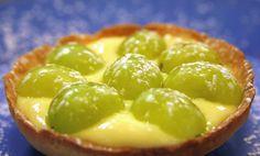 Canestrino di pasta frolla con crema pasticcera e uva