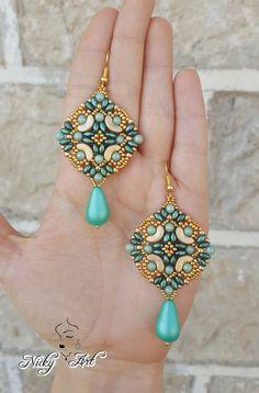 Earrings Majolica beading pattern by NickyArtGioielli on Etsy - Ideas In Crafting Beaded Earrings Patterns, Beaded Jewelry Designs, Seed Bead Earrings, Jewelry Patterns, Diy Earrings, Beading Patterns, Beaded Bracelets, Seed Beads, Embroidery Patterns