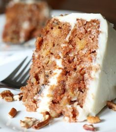 Carrot Cake with Callie's Cream Cheese Icing | 14 Dreamy Carrot Cake Recipes | Healthy And Delicious DIY Desserts, Definitely Worth A Try : http://homemaderecipes.com/14-carrot-cake-recipes/