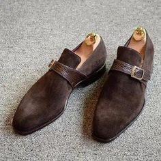 Men's genuine casual loafers in elegant pu leather 👞myalleshop Casual Loafers, Casual Shoes, Dress Casual, Loafers Men, Mens Business Shoes, Men's Shoes, Dress Shoes, Suede Leather Shoes, Soft Leather