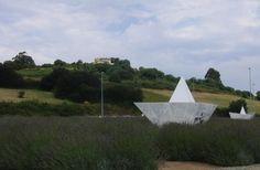 Rotonda de los barcos de papel (Castrillón)