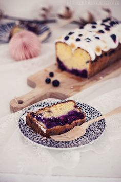 Blueberry Meringue Cake