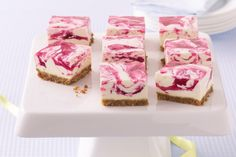 Jelly Swirl Cheesecake Slice This cheesecake slice looks beautiful with the pink swirls and is low-fat so you can have a second helping too. Jelly Cheesecake, Raspberry Swirl Cheesecake, Best Cheesecake, Jelly Cake, Cheesecake Squares, Jelly Slice, No Bake Slices, Peppermint Crisp, Cant Stop Eating